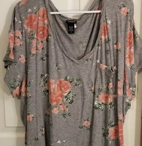 Torrid pocket tee.  Gray with peach floral.